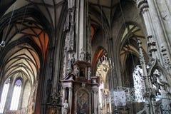 Domkyrka för St Stephen ` s från inre Arkivbilder