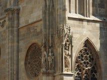 Domkyrka för St Stephen ` s i Wien, Österrike i en härlig höstdag arkivfoto