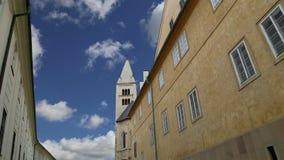 Domkyrka för St Vitus Cathedral Roman Catholic i den Prague slotten och Hradcany, Tjeckien arkivfilmer