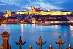 Domkyrka för St Vitus, Moldau flod, lesser stad, Prague slott, Prague Arkivfoto