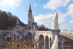 Domkyrka-fristad av Lourdes France Fotografering för Bildbyråer