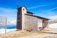 Domkyrka i Dachstein berg Arkivbild