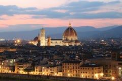 Domkyrka i Florence Italy på skymning Royaltyfri Bild
