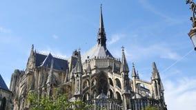 Domkyrka i staden av Reims, Frankrike arkivfilmer