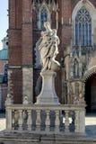 Domkyrka (katedra) på den Tumski ön i Wroclaw, Polen Royaltyfria Bilder
