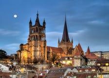 Domkyrka Notre Dame av Lausanne, Schweiz, HDR Arkivfoton