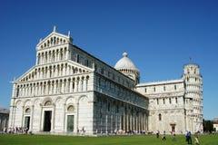 Domkyrka och lutande torn av Pisa Fotografering för Bildbyråer