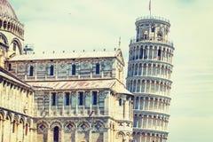 Domkyrka och lutande torn i Pisa Fotografering för Bildbyråer
