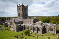 Domkyrka Pembrokeshire Wales UK för St Davids Royaltyfria Foton