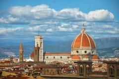 Domkyrka Santa Maria Del Fiore med Giottos Campanile i Florence, Italien Royaltyfri Fotografi