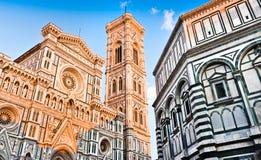 Domkyrka Santa Maria Del Fiore med Giottos Campanile och Baptistery på solnedgången i Florence, Tuscany, Italien Arkivbild