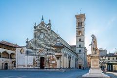 Domkyrka Santo Stefano av Prato i Italien Arkivbild