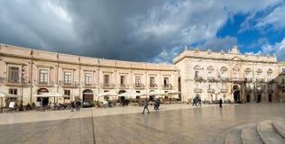 Domkyrkafyrkant - Ortygia Syracuse Sicilien Italien Arkivfoton