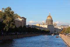 Domkyrkahelgon Petersburg Ryssland för St Isaacs arkivfoto