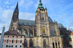Domkyrkahelgon Vitus, Wenceslaus och Adalbert i Prague, Tjeckien, Arkivfoton