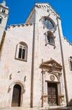 Domkyrkakyrka av Barletta Puglia italy arkivfoto