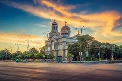 Domkyrkan av antagandet i Varna Arkivfoto