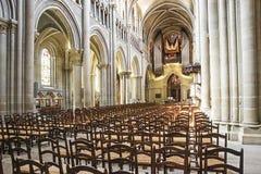 Domkyrkan av den Notre Dame (Lausanne) korridorinre Royaltyfri Foto