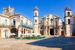 Domkyrkan av Havana på en härlig dag Fotografering för Bildbyråer
