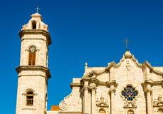 Domkyrkan av havannacigarren i Kuba på en härlig dag med en klar blå himmel arkivfoton