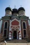 Domkyrkan av interventionen av den välsignade oskulden, ingångsporten Izmailovo Moskva fotografering för bildbyråer
