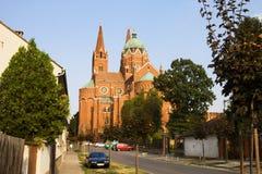 Domkyrkan av St Peter och St Paul i den Dakovo staden i Kroatien Arkivbilder