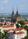 Domkyrkan och staden av Brno, Tjeckien, Europa Arkivbild