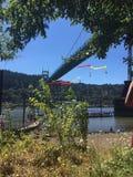 Domkyrkan parkerar Shell Protesters Hang från den St Johns bron Royaltyfria Foton