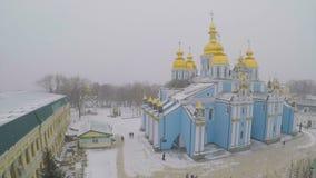 Domkyrkan under snöfall lager videofilmer