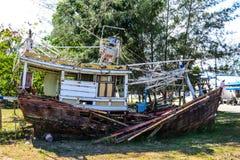 Dommages de bateau de pêche de tempête Image libre de droits