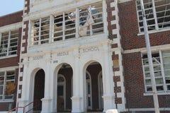 Dommages de tornade de collège de Joplin Photographie stock