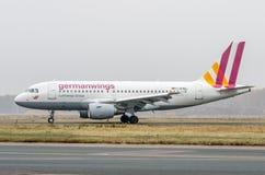 Domodedovoluchthaven, Moskou - Oktober vijfentwintigste, 2015: Luchtbus A319 D-AKNN van Germanwings-luchtvaartlijnen Royalty-vrije Stock Fotografie