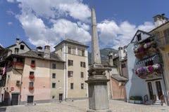 Domodossola, Piemonte, Italië: historische gebouwen stock foto's