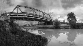 Domos bro i svartvit panorama Royaltyfria Bilder