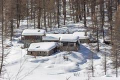Domostwa w śniegu zdjęcia stock