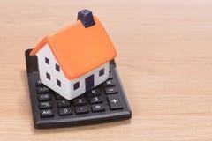 Domowa miniaturowa pozycja na kalkulatorze zdjęcie royalty free