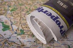 domowe znaleźć gazetę. Zdjęcie Stock