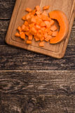 Domowego kucharstwa bani polewka Kawałki bania na desce Przestrzeń dla teksta Zdjęcie Stock