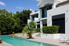 domowej nieskończoności luksusowy basen Zdjęcia Stock