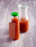 Domowej roboty agrestowy ketchup w butelce Obrazy Stock