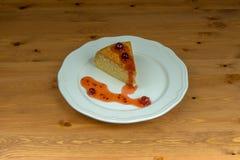 Domowej roboty biskwitowy agrestowy dżem na drewnianym stole Zdjęcia Stock