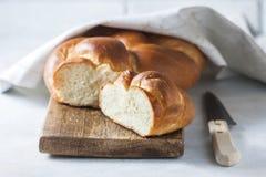 Domowej roboty challah chleb, selekcyjna ostrość zdjęcia royalty free