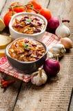 Domowej roboty chili przeciwu carne, życiorys chleb Fotografia Stock