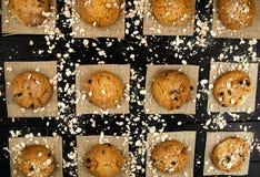 Domowej roboty ciastka na czarny rocznik textured stole smakowity Obraz Stock