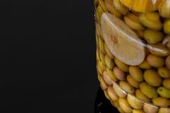 Domowej roboty comestible zielonej oliwki zalewy dla śniadania obrazy stock