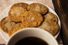 Domowej roboty cukrowy ciastko z kawą fotografia royalty free