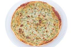 Domowej roboty cząberu tort z zucchini odizolowywającym na białym tle obrazy stock