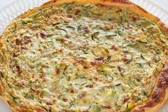 Domowej roboty cząberu tort z zucchini zdjęcie stock