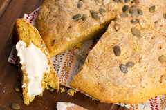 Domowej roboty dyniowy chleb Obraz Royalty Free
