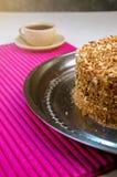 Domowej roboty gąbka tort z masło śmietanką i Gotującym się Zgęszczonym mlekiem Zdjęcia Royalty Free